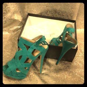 """Woman's 5""""heels"""